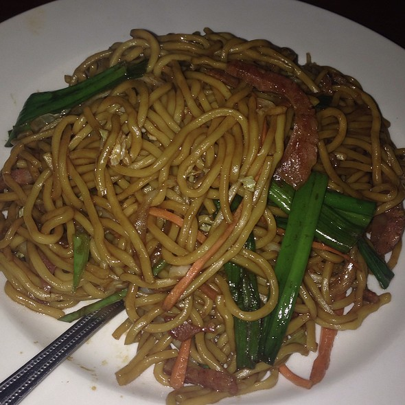 Taiwanese Sausage Lo Mein