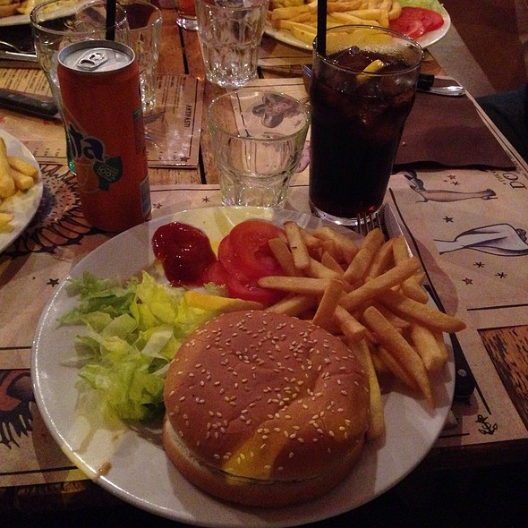 Cheese Burger @ docks & co