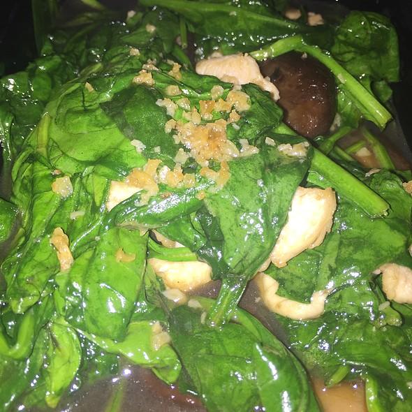 Chicken Sauteed Spinach And Shitake - Bangkok West, Santa Monica, CA
