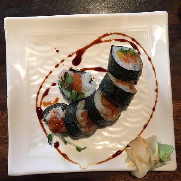 Spicy Tuna Roll @ Doraku Sushi