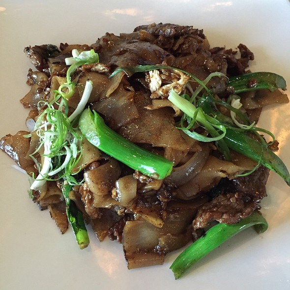 Beef Pad See Ew - Aoyama French Thai & Japanese, Wyckoff, NJ