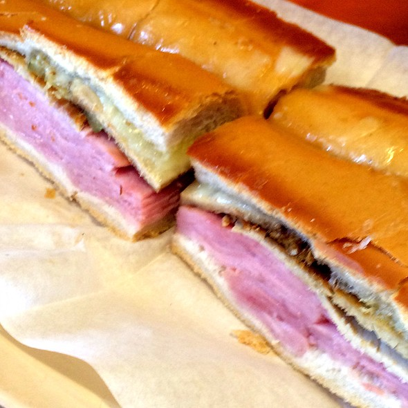 Cuban Sandwich @ Latin Cafe 2000
