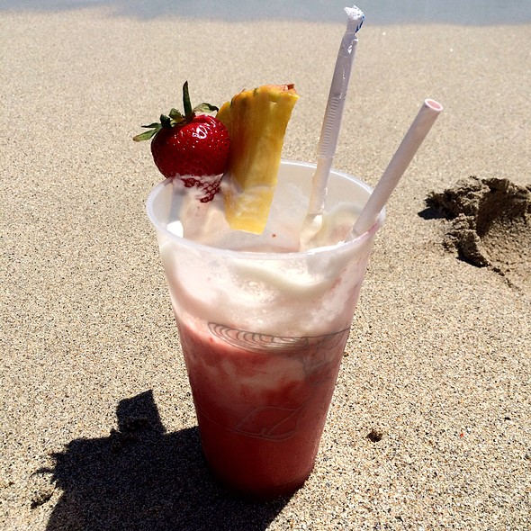 Strawberry Smoothie @ Fountain Blue Beach 4441 Collins Ave