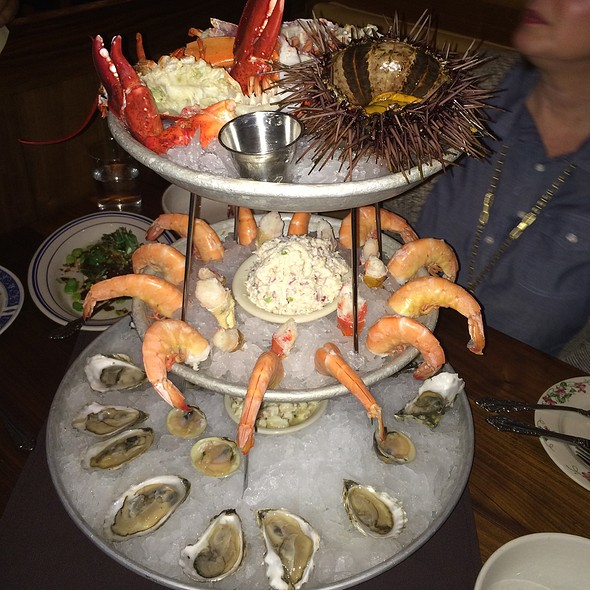 Seafood Tower For 3