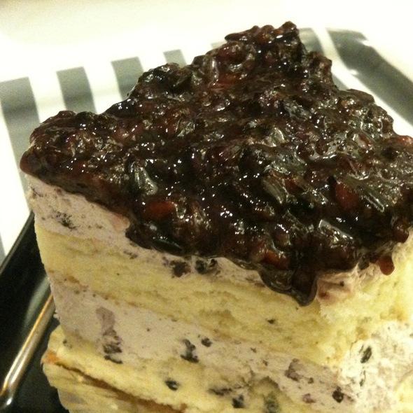 Pulut Hitam Cake @ Baguette - The Viet Inspired Deli