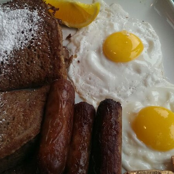FrenchToast @ Lowell's Restaurant