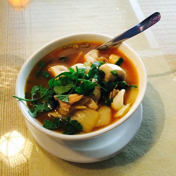 Tom Yum Seafood - Chantanee Thai Restaurant & Bar, Bellevue, WA