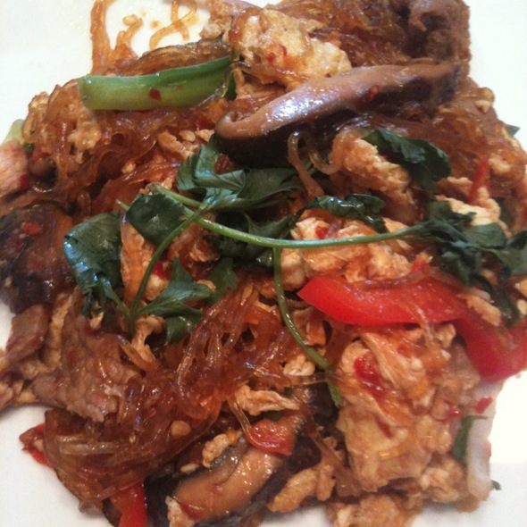Pad Woon Sen With Beef @ Lulu's Thai Noodle Shop