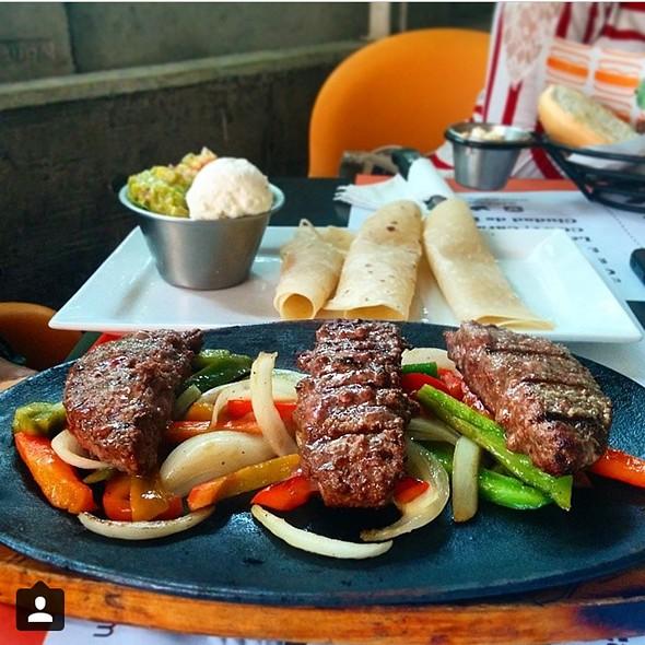 Fajitas De Carne @ Araxi