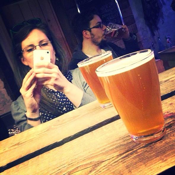 Bunny Hop Single Hop Citra American Pale Ale Beer 4,5% @ Csupor Pub Dessewffy