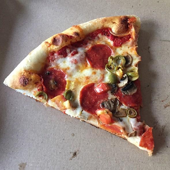 Mia's Special (Pizza)