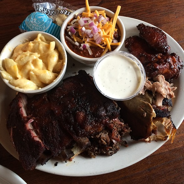Brisket, Ribs, Pulled Pork, Wings, Chili, & Macaroni & Cheese