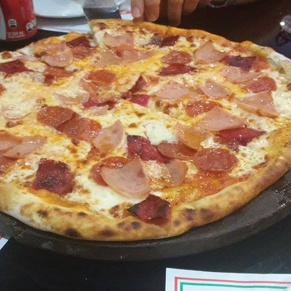 Pizza Jamon Y Peperoni