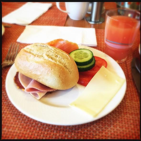 Breakfast @ Radisson Blu Hotel, Karlsruhe