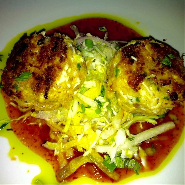 Crabcakes - Tommy Bahama Restaurant & Bar - Scottsdale, Scottsdale, AZ
