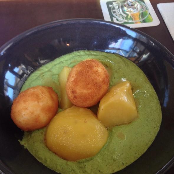 Gebackene Kartoffel Mit Frankfurter Grüne Sauce @ HEIMAT Küche + Bar