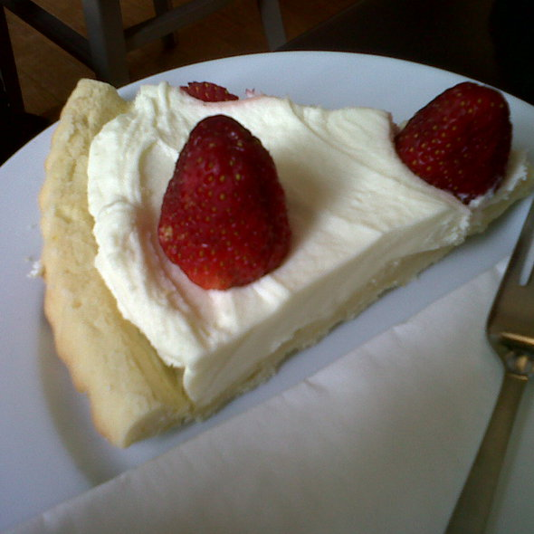 Mascarpone and strawberry crostata