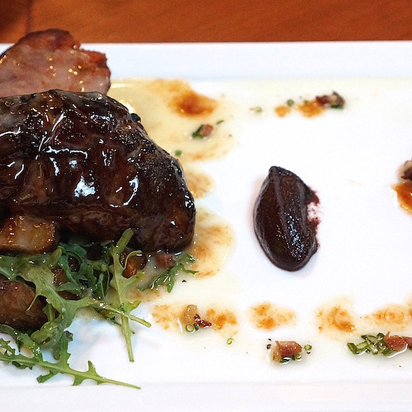 Lamb 'bacon,' crispy sunchokes, baby arugula, local asparagus, Mangalitsa bacon vinaigrette - Valette, Healdsburg, CA