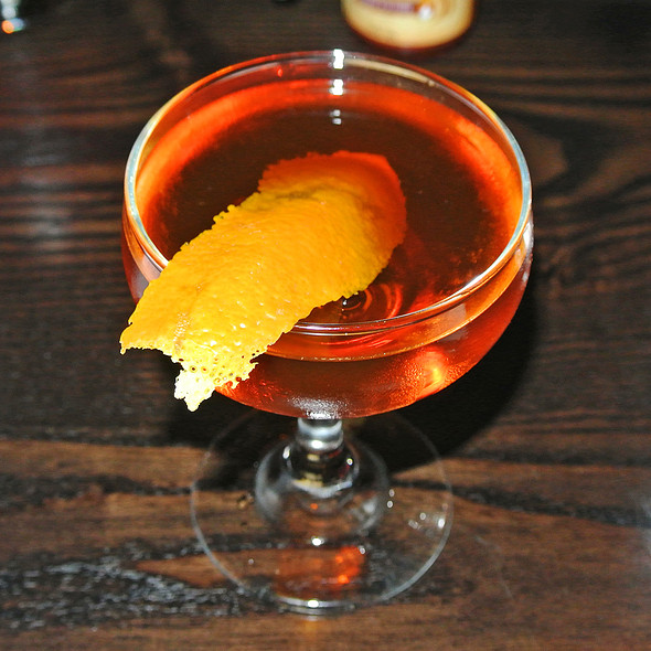 Nardini Black Manhattan