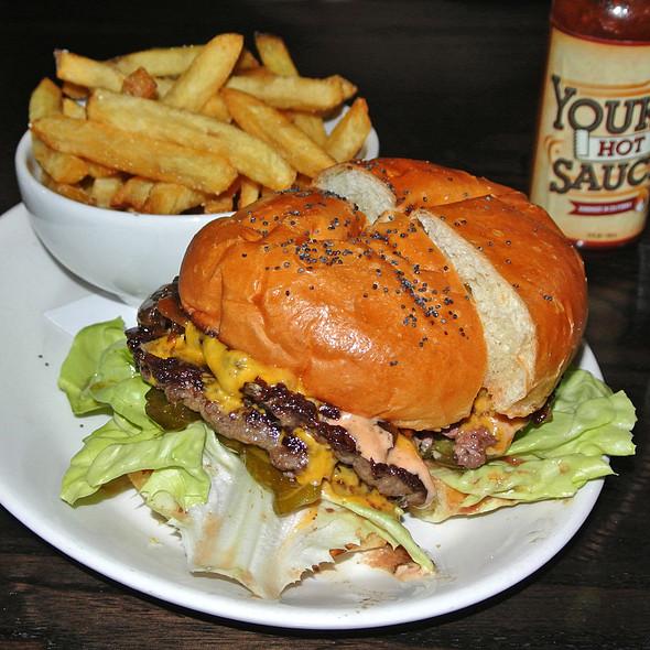 H&R Burger
