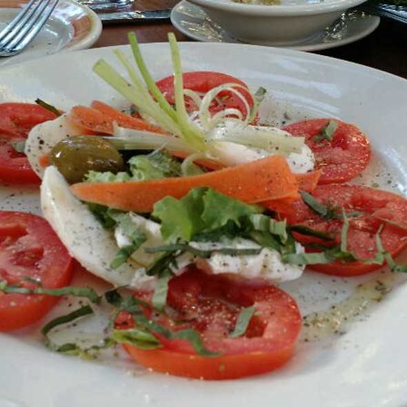 Caprese Salad @ Oak Tree Ristorante