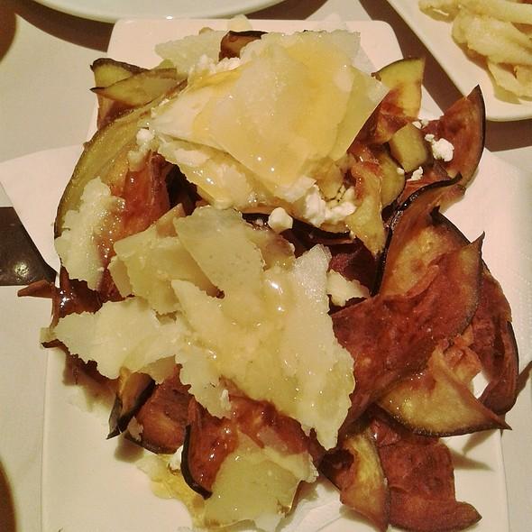 Chips De Berenjena Con Miel Y Queso De Cabra