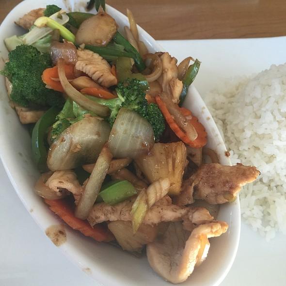 Cashew Chicken At Thai Patio