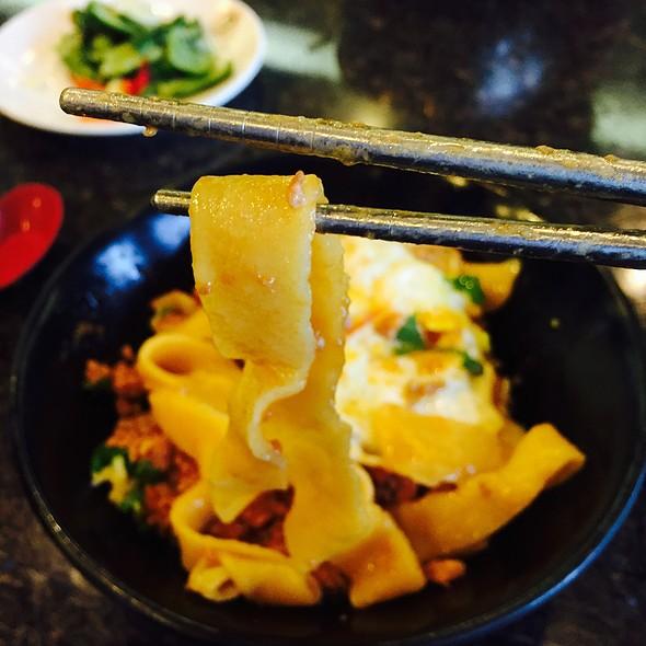 Tomato Sauce Pork Noodles @ Liang's Village Cuisine