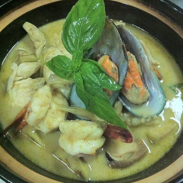 Green Curry Seafood in Clay Pot  @ Woodside Restaurant @ Parkyard Hotel Shanghai