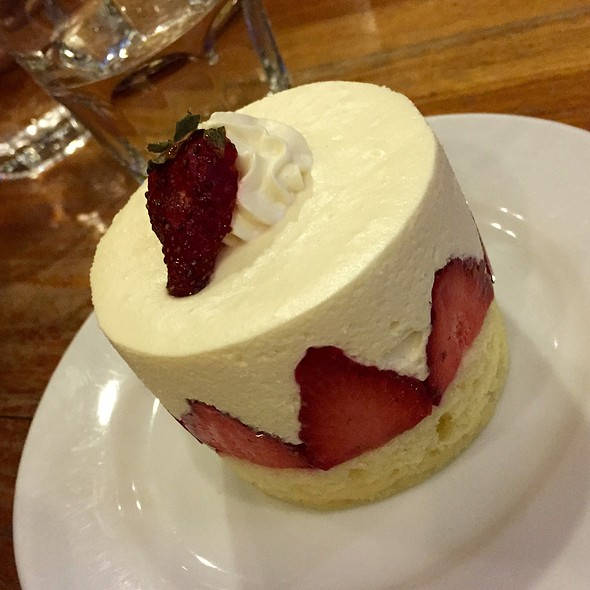 Strawberry Kiss @ Kuppa Coffee & Tea