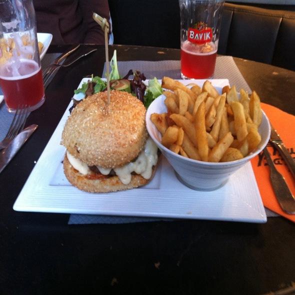 Cliffhanger Burger