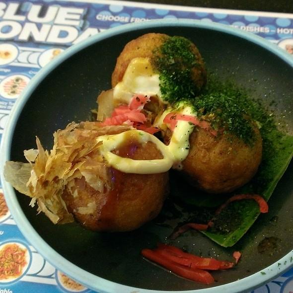 Takoyaki @ Yo! Sushi