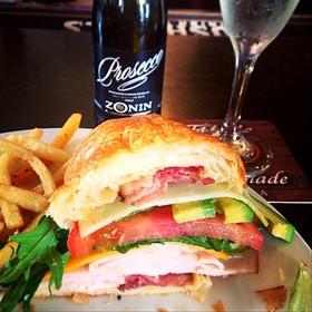 turkey club - Bonnie Ruth's Cafe et Patisserie, Frisco, TX