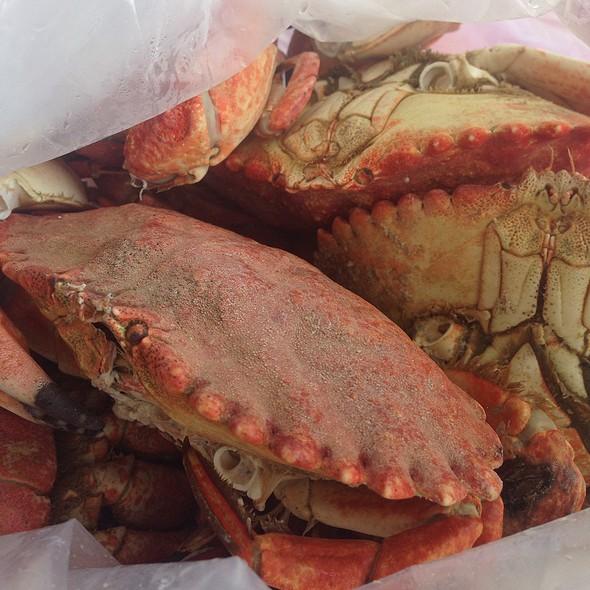 Live Rock Crab Steamed