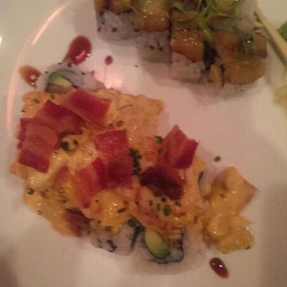 Hot Mess @ Sushi Pop