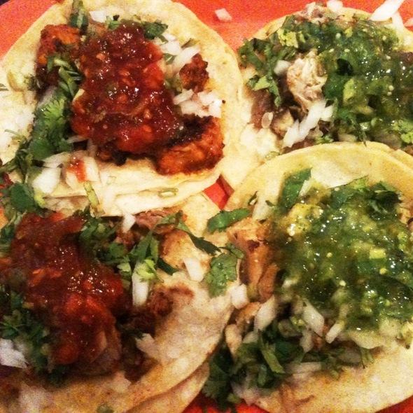 Tacos @ Tacos Matamoros