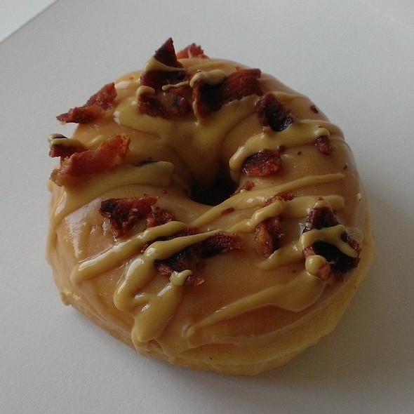 Maple Bacon and Peanut Butter Doughnut @ LOS Donuts