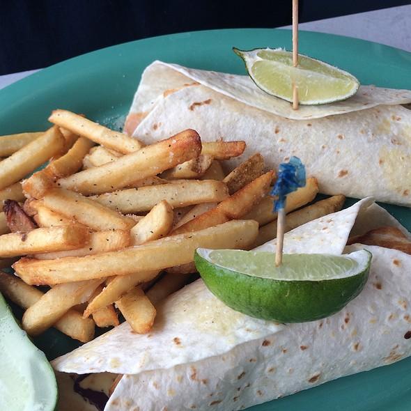 fish tacos - Dish n' Dat, Canton, CT