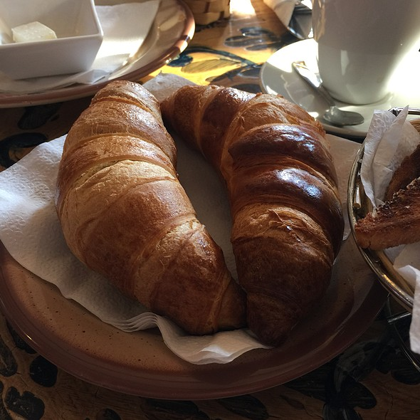 Croissant @ Hotel Bulevard