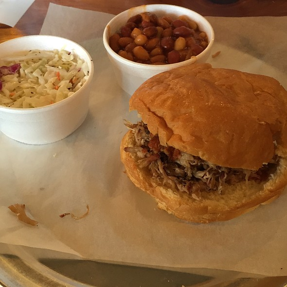 Pulled-Pork Sandwich @ PM BBQ