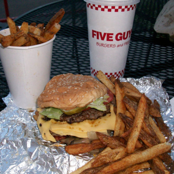 an analysis of five guys burgers Five guys and a burger five guys and a burger is a fast food restaurant chain whose main focus is its hamburgers, hotdogs, and fries the first five guys restaurant opened in 1986 in arlington.