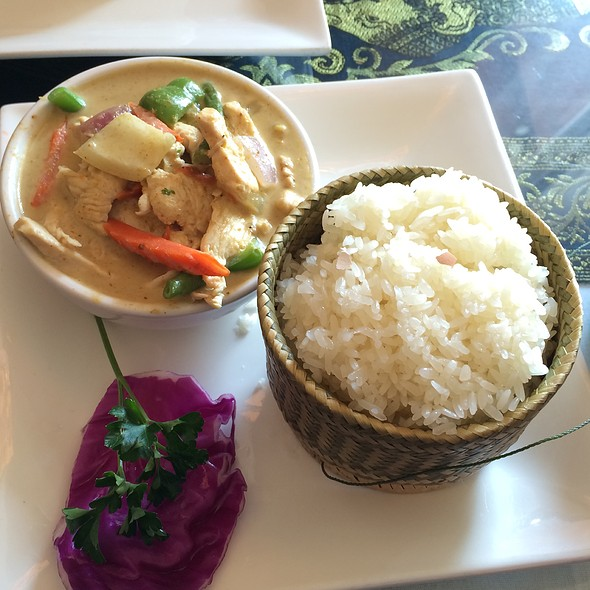 Yellow Curry @ Sabaidee Thai Grille