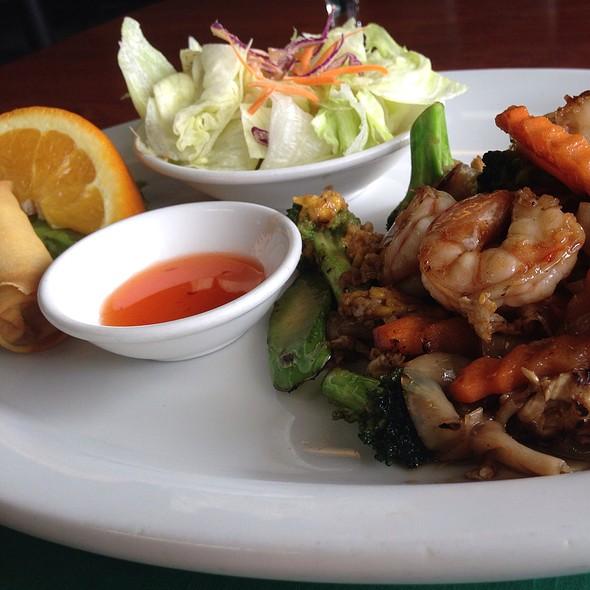 Pad See Ew @ Bamboo Fresh Thai Cuisine