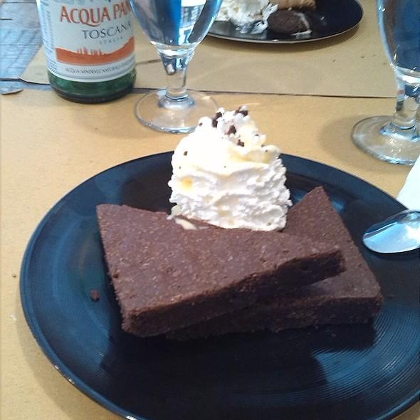 Brownies con panna @ RockBurger Milano