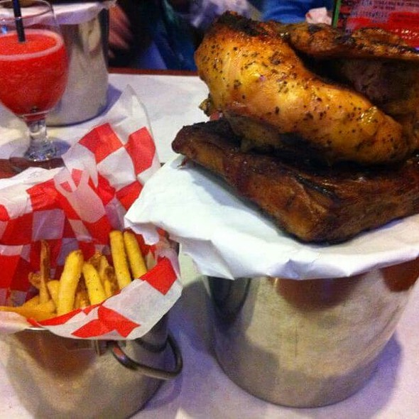 Chicken And Ribs Combo - Dick's Last Resort - Mall of America, Bloomington, MN