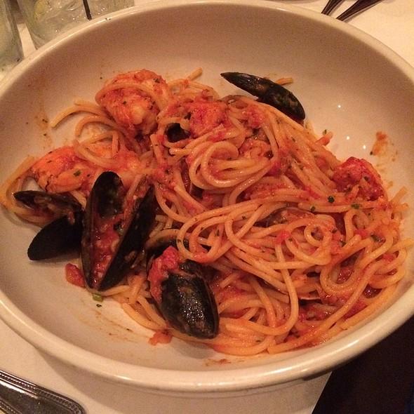 Spaghetti Pesce - Mia Francesca, Chicago, IL