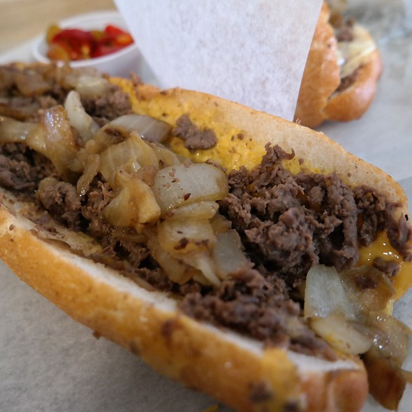 Cheesesteak @ Jim's Steaks