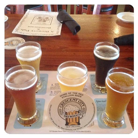 5  Beer Sampler @ Crescent City Brewhouse