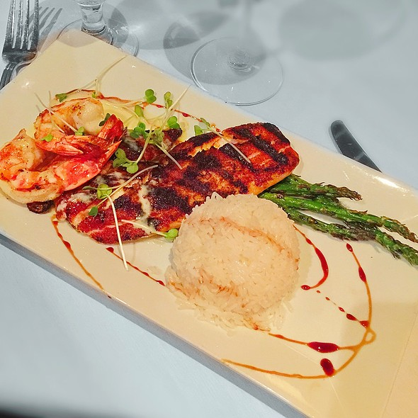 Red Snapper With Tiger Shrimp - Chamberlain's Fish Market Grill, Addison, TX