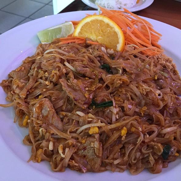 Pad Thai @ Thai Spice